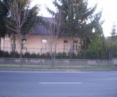 Lábatlanon családi ház eladó