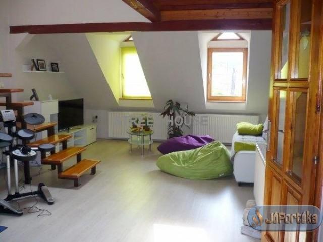 Sopron táncsics u.62 m2 tégla lakás eladó !